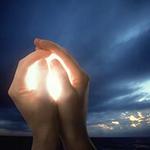 glowinghands